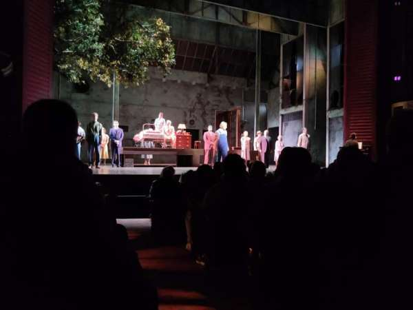 Shubert Theatre, secção: Orchestra L, fila: L, lugar: 1
