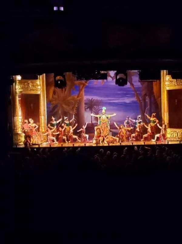 Hippodrome Theatre, secção: Center Orchestra, fila: FF, lugar: 113
