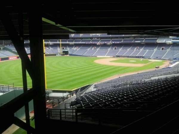Turner Field, secção: 328L, fila: 6, lugar: 101
