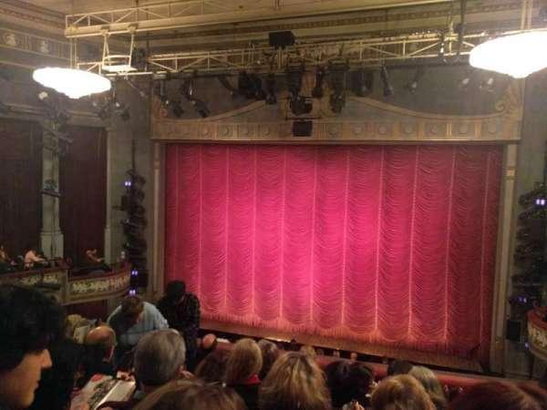 Broadhurst Theatre, secção: Mezzanine C, fila: F, lugar: 114