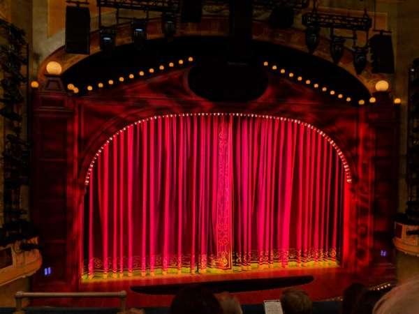Shubert Theatre, secção: Mezzanine C, fila: D, lugar: 114