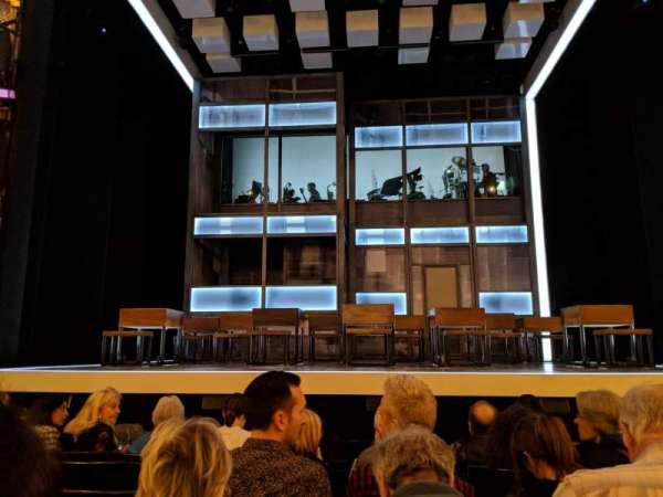 Apollo Theatre, secção: STALLS, fila: H, lugar: 11