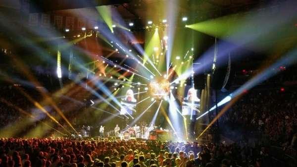 Madison Square Garden, secção: 106, fila: 1, lugar: 1