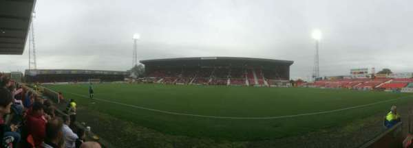 County Ground, secção: Don Rogers Stand
