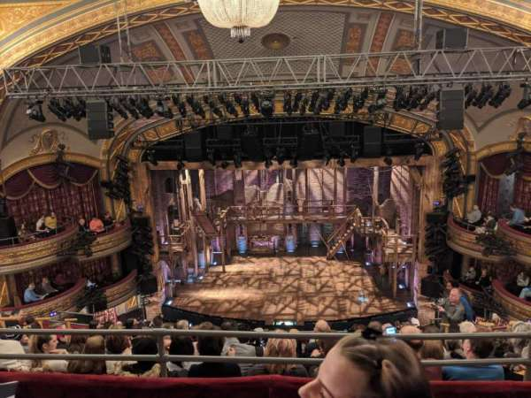 Richard Rodgers Theatre, secção: Rear Mezzanine C, fila: H, lugar: 104