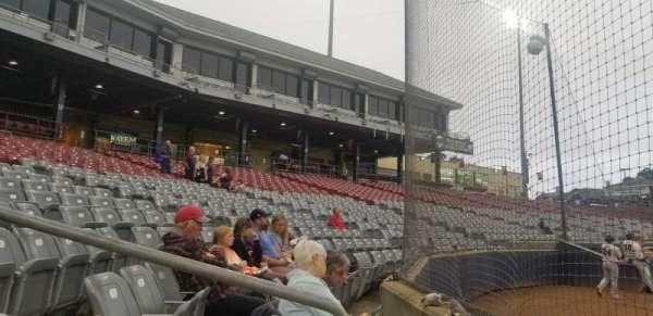 Dodd Stadium, secção: 10, fila: AA, lugar: 6