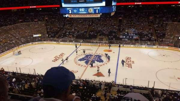 Scotiabank Arena, secção: 320, fila: 2