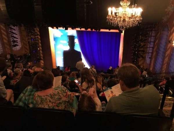 Lunt-Fontanne Theatre, secção: Rear Mezzanine RC, fila: J, lugar: 128