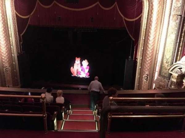 Wang Theatre, secção: BalcRC, fila: F, lugar: 2