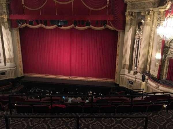 Citizens Bank Opera House, secção: Mezzanine RC, fila: D, lugar: 126