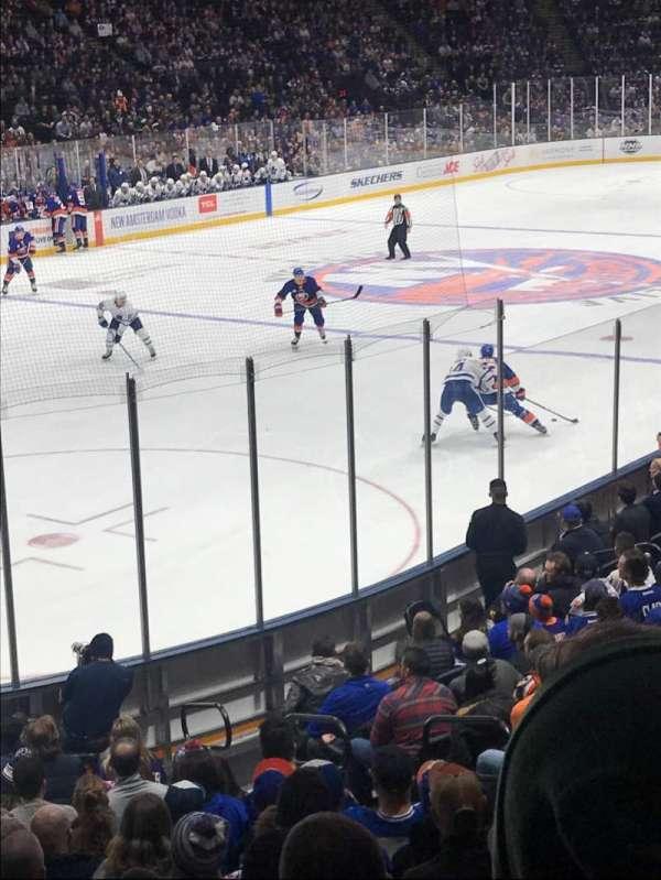 Nassau Veterans Memorial Coliseum, secção: 107, fila: 5, lugar: 7