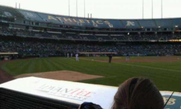 Oakland Coliseum, secção: 106, fila: 2, lugar: 10
