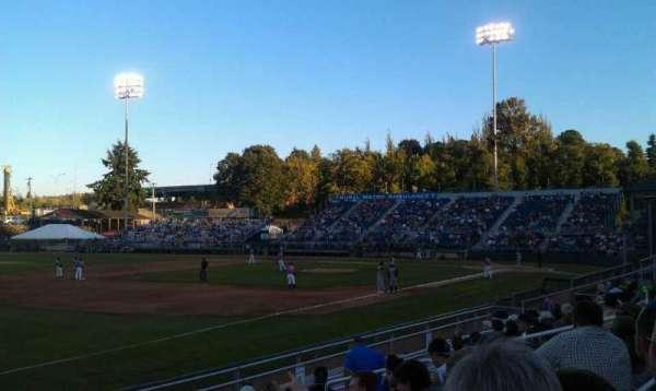 Everett Memorial Stadium, secção: A, fila: 6A
