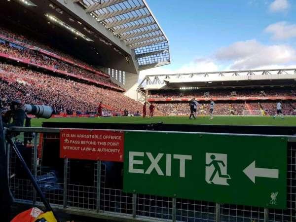 Anfield, secção: 104, fila: 1, lugar: 142