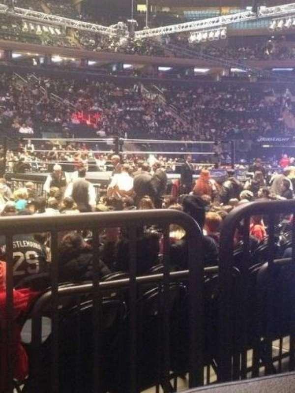 Madison Square Garden, secção: 106, fila: 2, lugar: 1