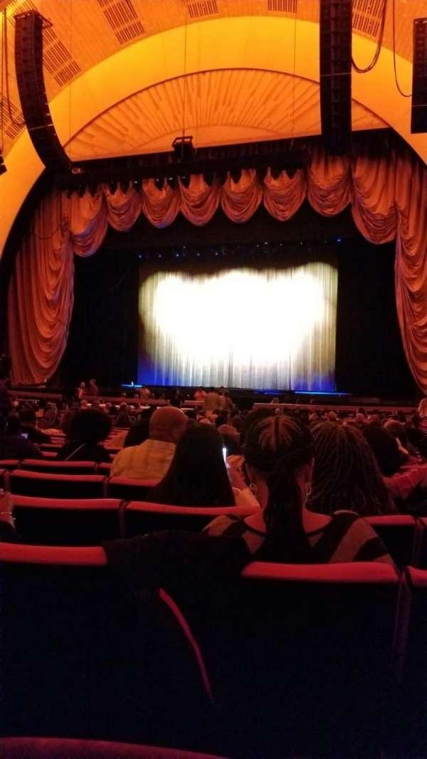 Radio City Music Hall, secção: Orchestra 3, fila: B, lugar: 302