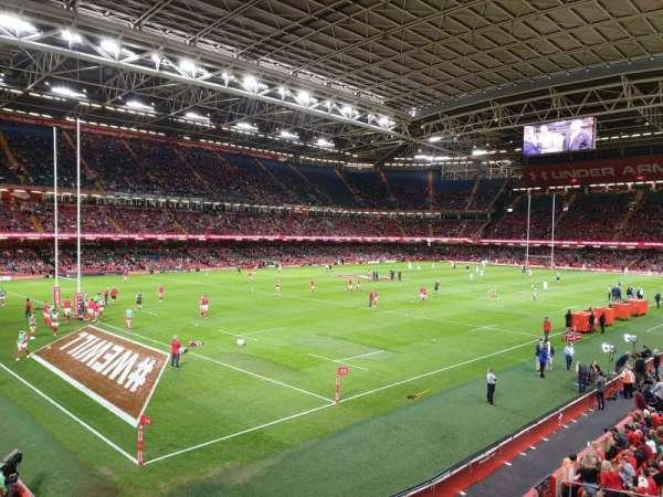 Principality Stadium, secção: M13, fila: 1, lugar: 1