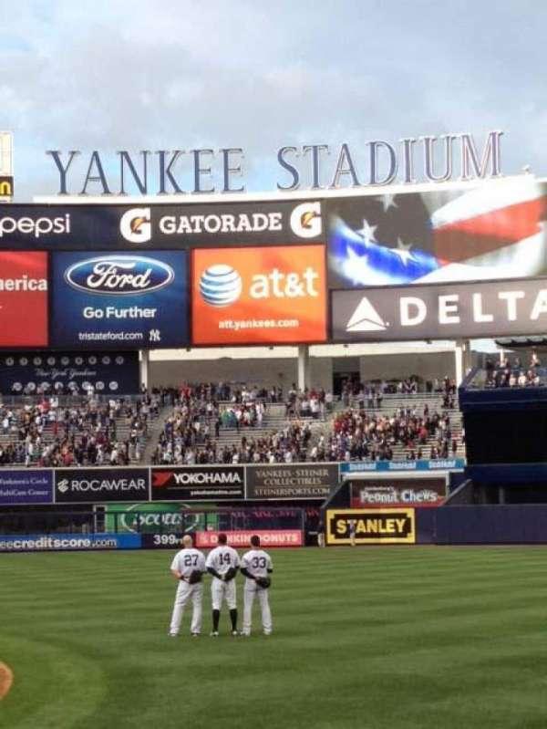 Yankee Stadium, secção: 014B, fila: 3