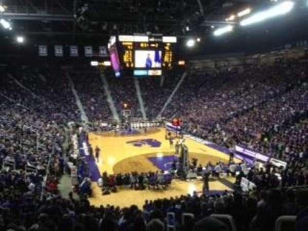 Bramlage Coliseum, secção: 27, fila: 22