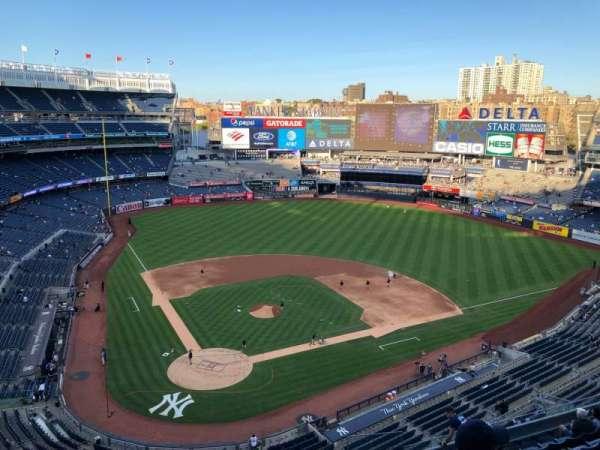 Yankee Stadium, secção: 419, fila: 1, lugar: 10