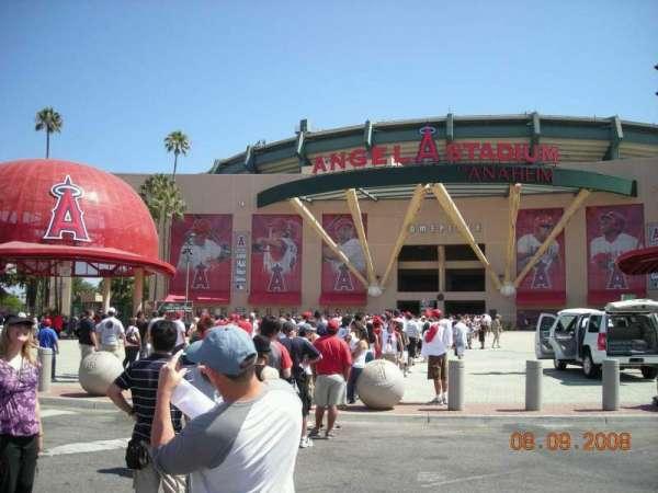 Angel Stadium, secção: Home Plate Gate