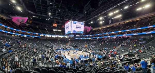 T-Mobile Arena, secção: 19, fila: L, lugar: 8