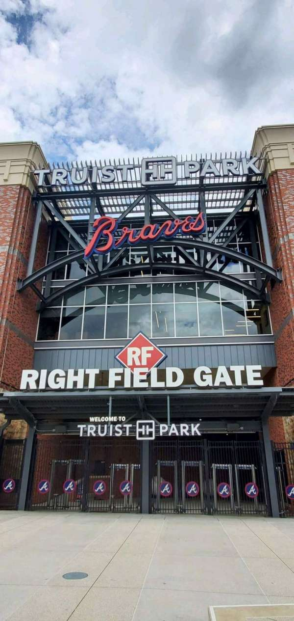 Truist Park, secção: Right Field Gate