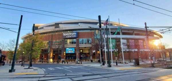 Spectrum Center, secção: 5th Street Entrance