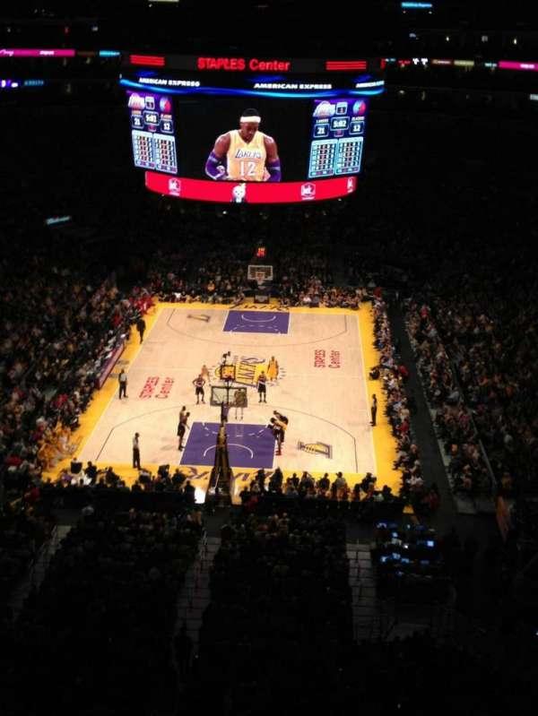 Staples Center, secção: 326, fila: 1, lugar: 7