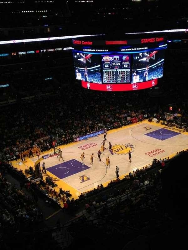 Staples Center, secção: 321, fila: 3, lugar: 9