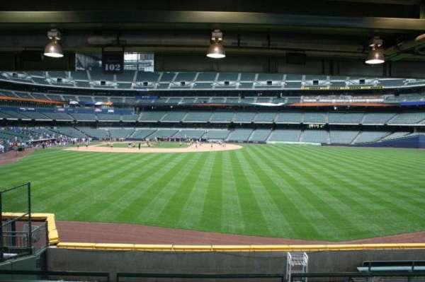 American Family Field, secção: 102, fila: 5, lugar: Bench seat