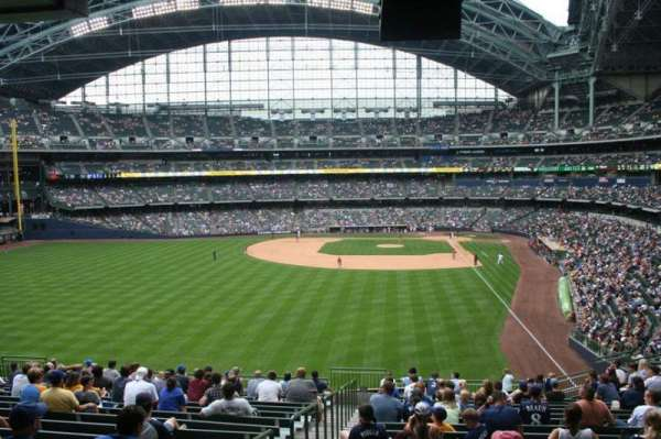 American Family Field, secção: 234, fila: 18, lugar: Bench seat