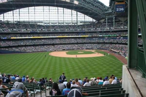 American Family Field, secção: 236, fila: 16, lugar: Bench seat