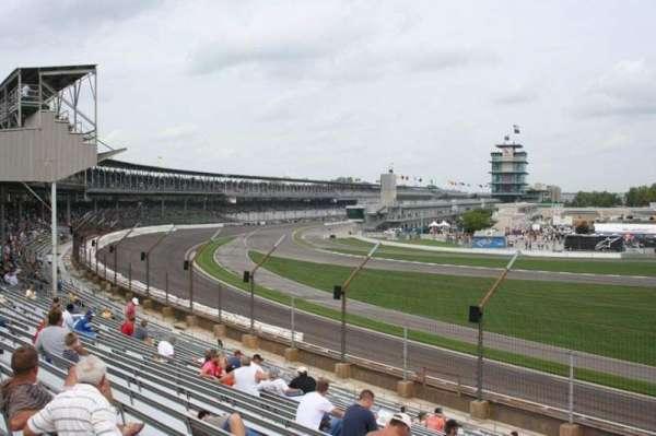 Indianapolis Motor Speedway, secção: E stand Box 32, fila: Q, lugar: 8