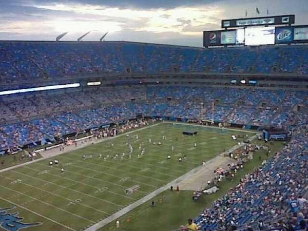 Bank of America Stadium, secção: 525, fila: 13