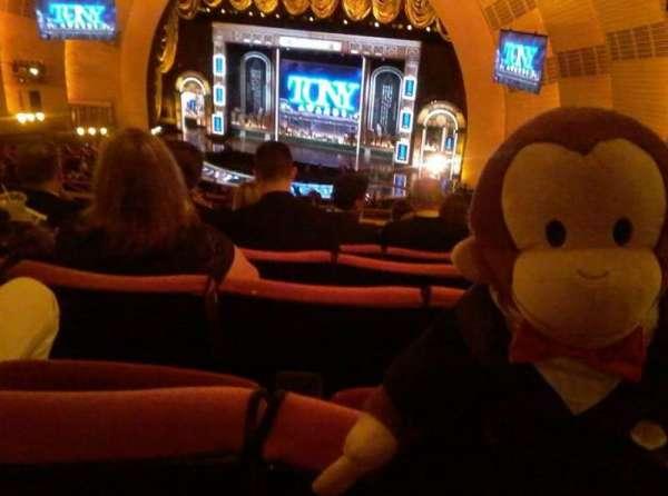 Radio City Music Hall, secção: 2nd Mezzanine 2, fila: J, lugar: 201