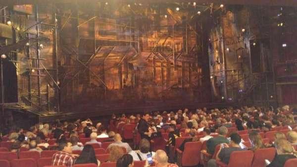 Broadway Theatre - 53rd Street, secção: Orchestra L, fila: R, lugar: 8