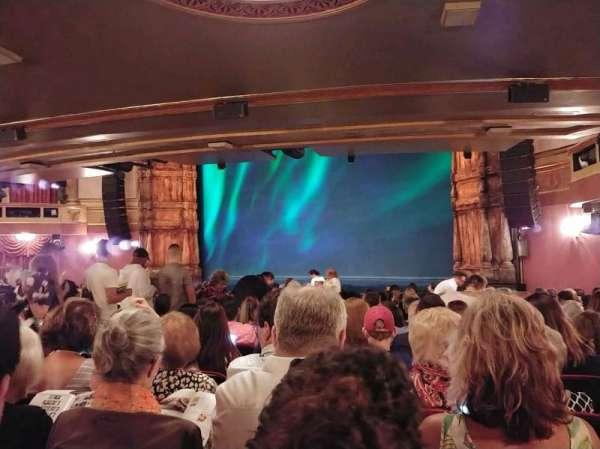 St. James Theatre, secção: ORCH R, fila: S, lugar: 22