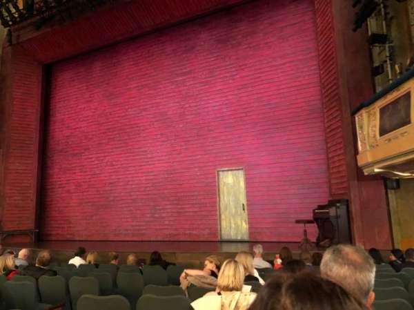 Shubert Theatre, secção: Orchestra R, fila: L, lugar: 12