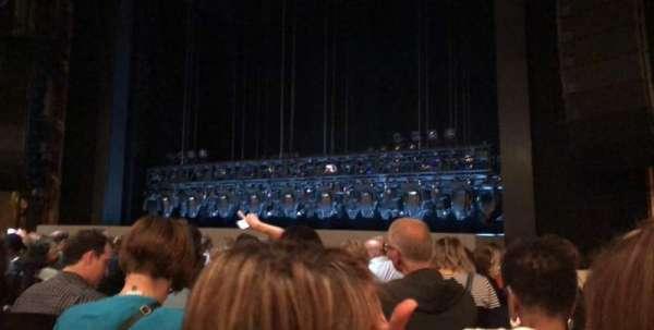 Lunt-Fontanne Theatre, secção: Orchestra right, fila: L, lugar: 12