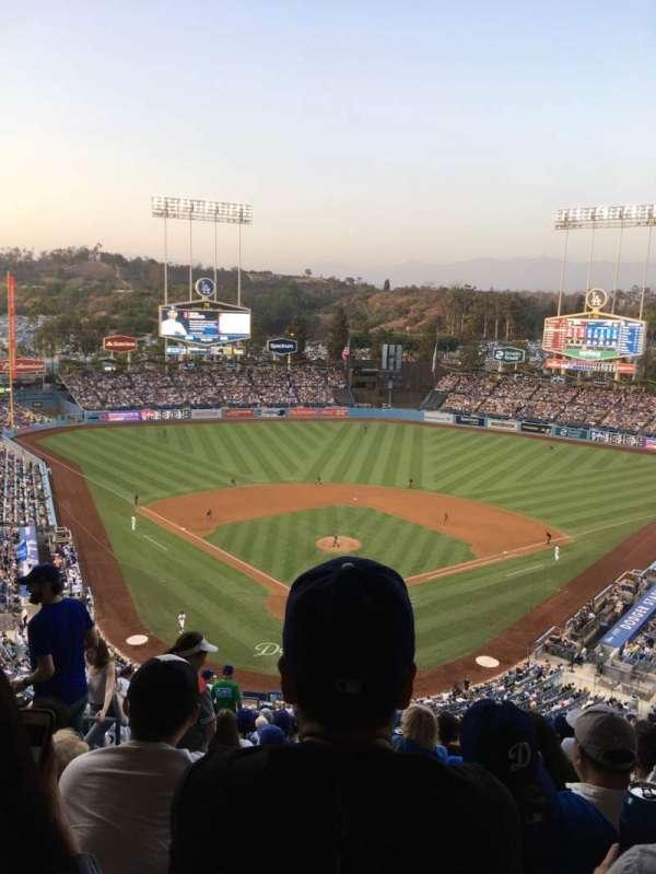 Dodger Stadium, secção: 2RS, fila: T, lugar: 4