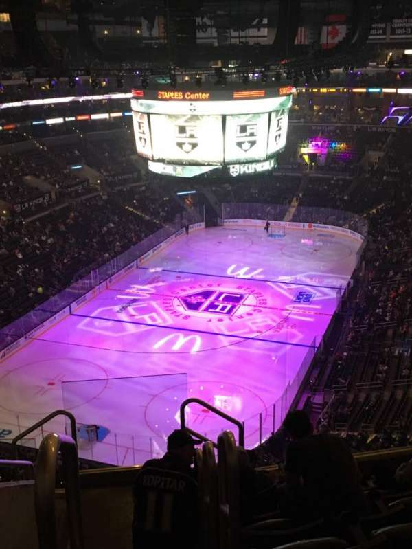 Staples Center, secção: 307, fila: 7, lugar: 4