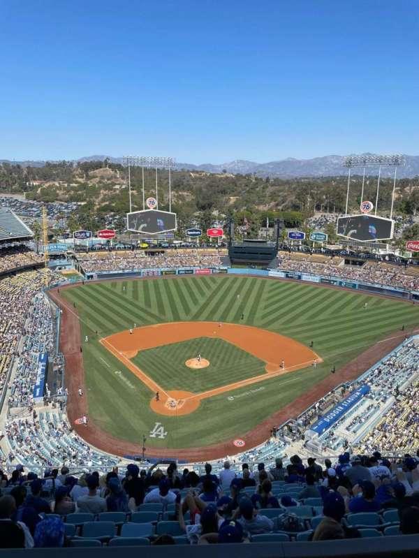 Dodger Stadium, secção: 4TD, fila: O, lugar: 12