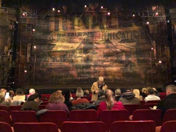Cadillac Palace Theater, secção: Orchestra Center, fila: J, lugar: 107