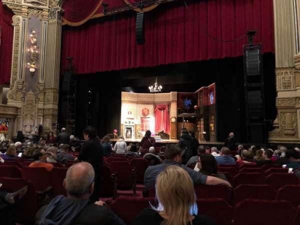 Nederlander Theatre (Chicago), secção: Orchestra Right, fila: P, lugar: 6