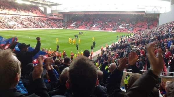 Anfield, secção: 121, fila: 23, lugar: 005
