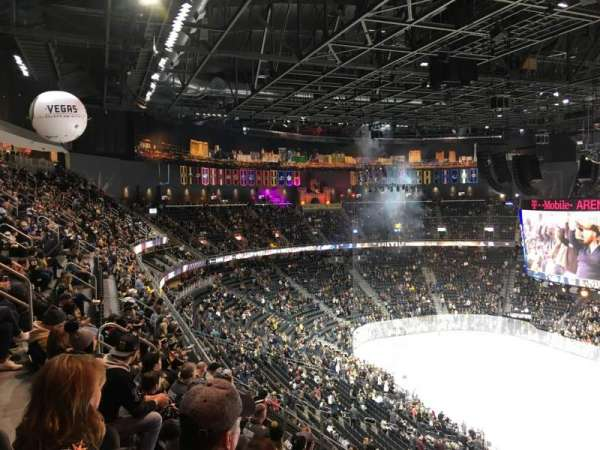 T-Mobile Arena, secção: 208, fila: G, lugar: 15