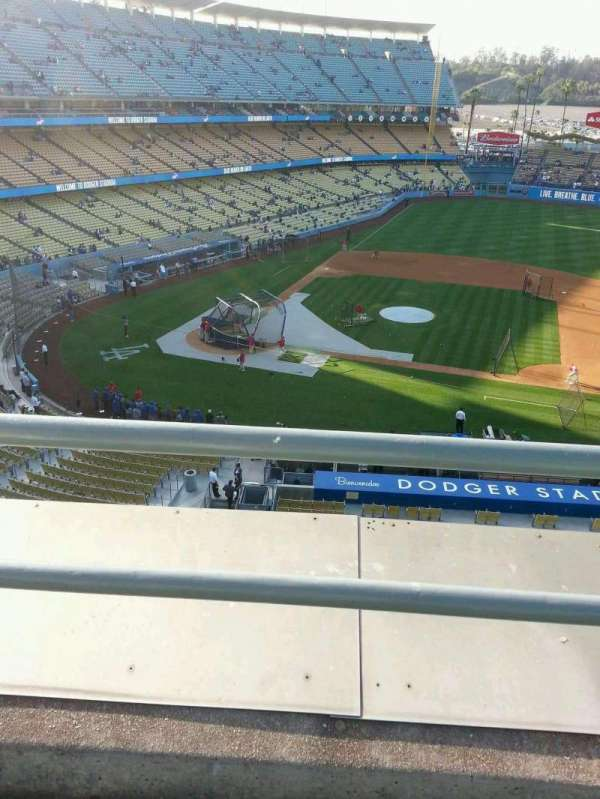 Dodger Stadium, secção: 16RS, fila: b, lugar: 11