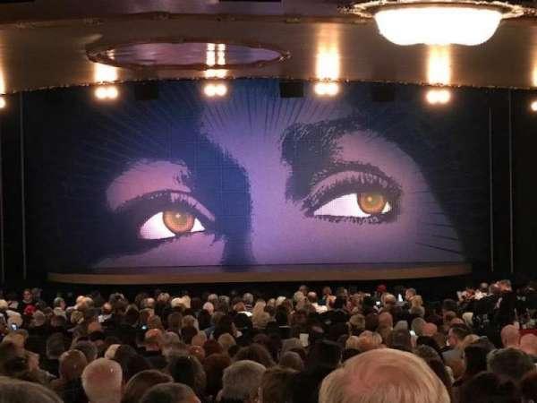 Lunt-Fontanne Theatre, secção: Orchestra C, fila: XX, lugar: 111
