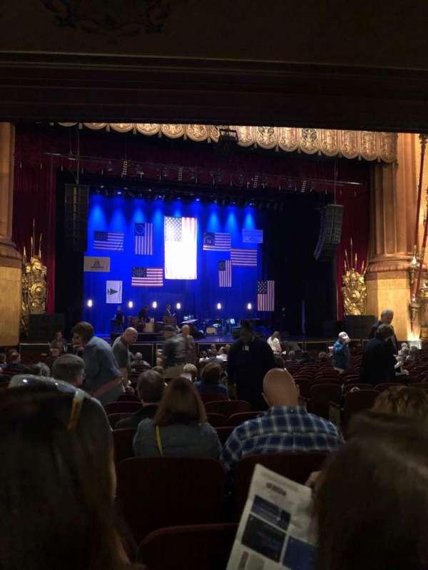 Beacon Theatre, secção: Orchestra C, fila: T, lugar: 7